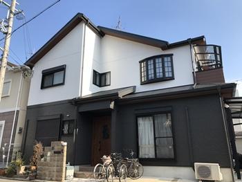 外壁塗装でお世話になる前に、台風で飛んだ屋根を補修して下さいました。とてもありがたかったです。