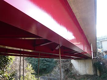 遠くからも分かる赤色の橋が蘇りました!