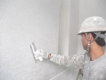 新築の外壁をベルアートSIを使用して塗装を行いました。