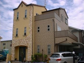新築住宅を塗装した際のお写真をご紹介いたします。色やパターンにこだわった塗装をご覧ください。
